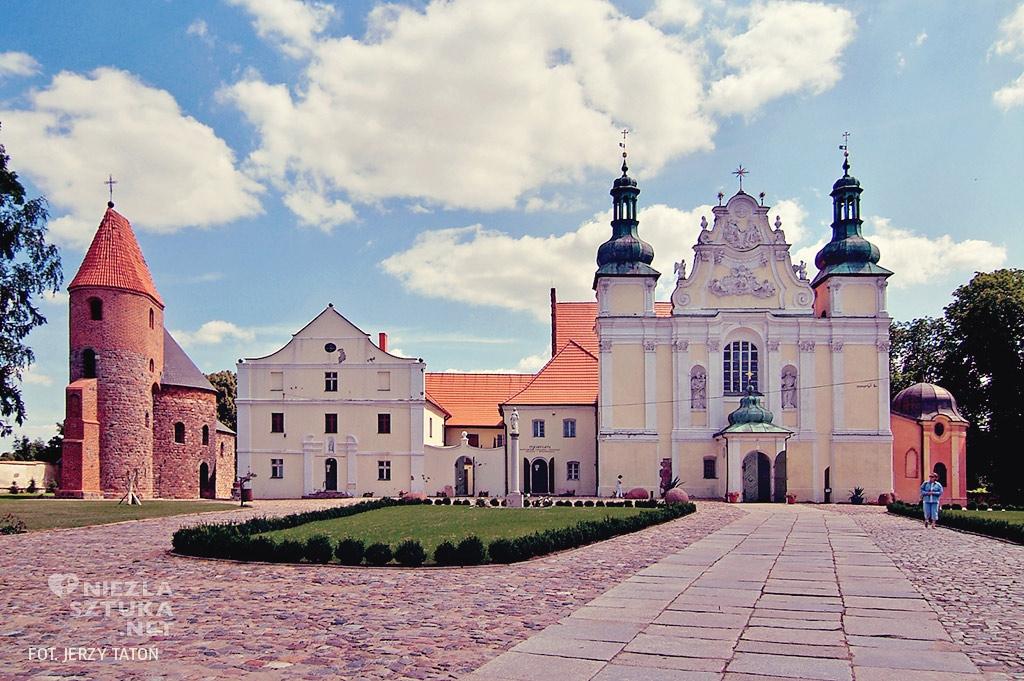 Kościół w Strzelnie, architektura polska, architektura sakralna, Niezła Sztuka
