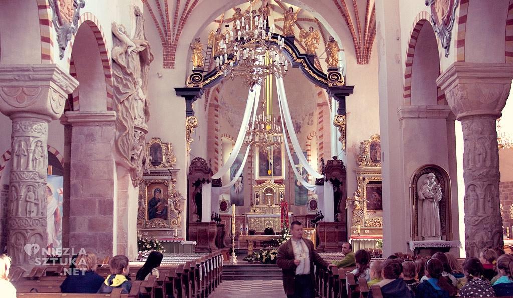 Kościół Świętej Trójcy i NMP w Strzelnie, architektura sakralna, architektura polska, Niezła Sztuka