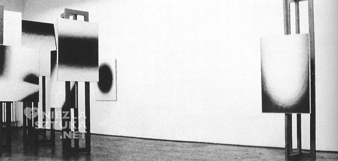 Studium przestrzeni, W. Fangor, S. Zamecznik, environment 1958 r., Galeria Nowej Kultury, Warszawa, fot. z katalogu B. Kowalska Fangor. Malarz przestrzeni, Warszawa 2001