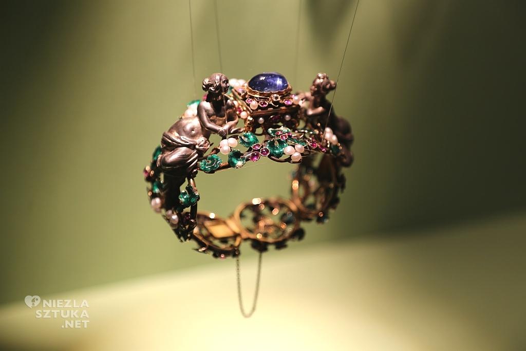 Francja, Paryż, Bransoletka autorstwa: Jules Wiese i F. - D. Froment – Meurice. Materiały: złoto, srebro, szafir, diamenty, rubiny, perły, emalia