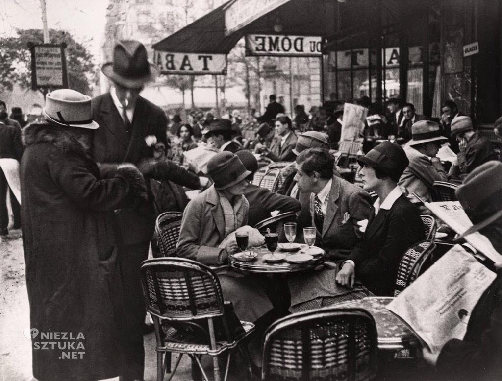 Andre Kertesz,<em> Le Dôme Café, Montparnasse, Paryż</em> | 1928