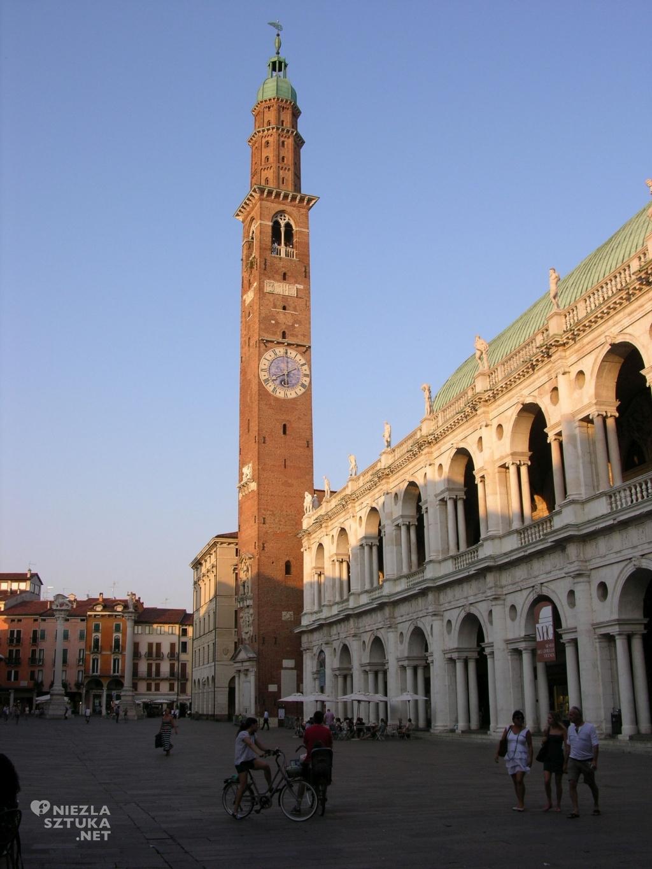 Basilica Palladiana - widok na elewację boczną
