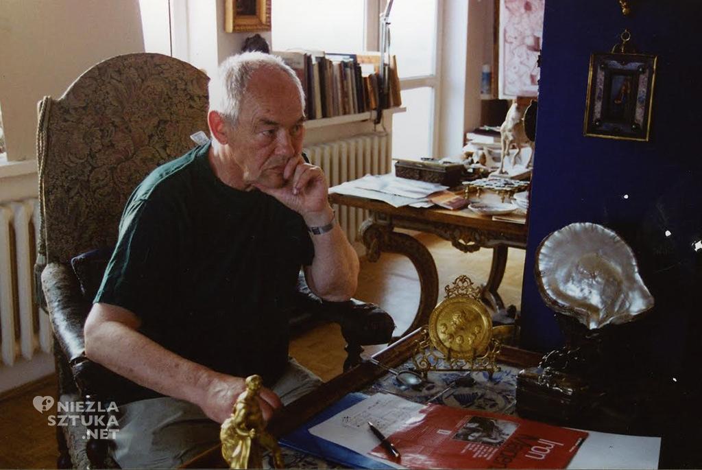 Franciszek Starowieyski w domu, dzięki uprzejmości żony artysty
