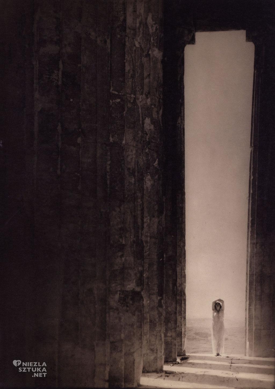 Isadora Duncan, źródło: theredlist.com