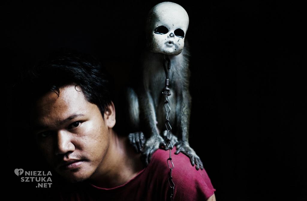 Artur Gutowski Indonezja małpi cyrk fotografia