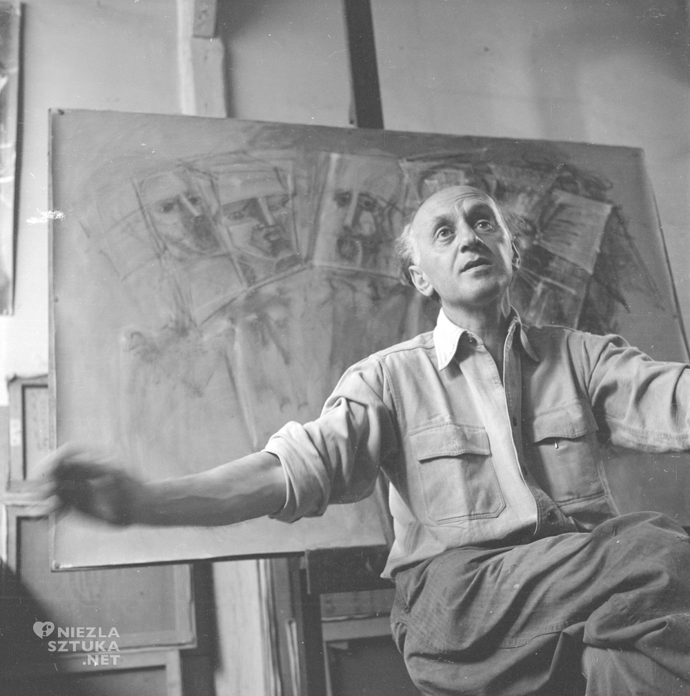 Victor Brauner w swoim paryskim studiu, 1953/ ernst-scheidegger-archiv.org