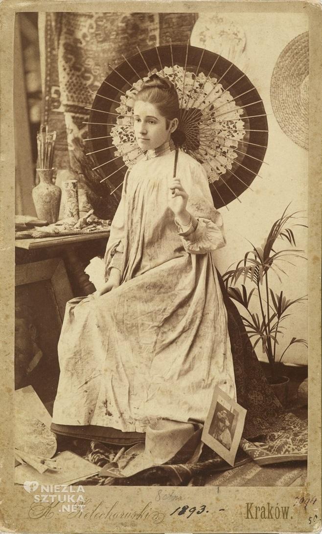 Olga Boznańska z japońską parasolką, fotografia, Muzeum Narodowe w Krakowie, Niezła sztuka