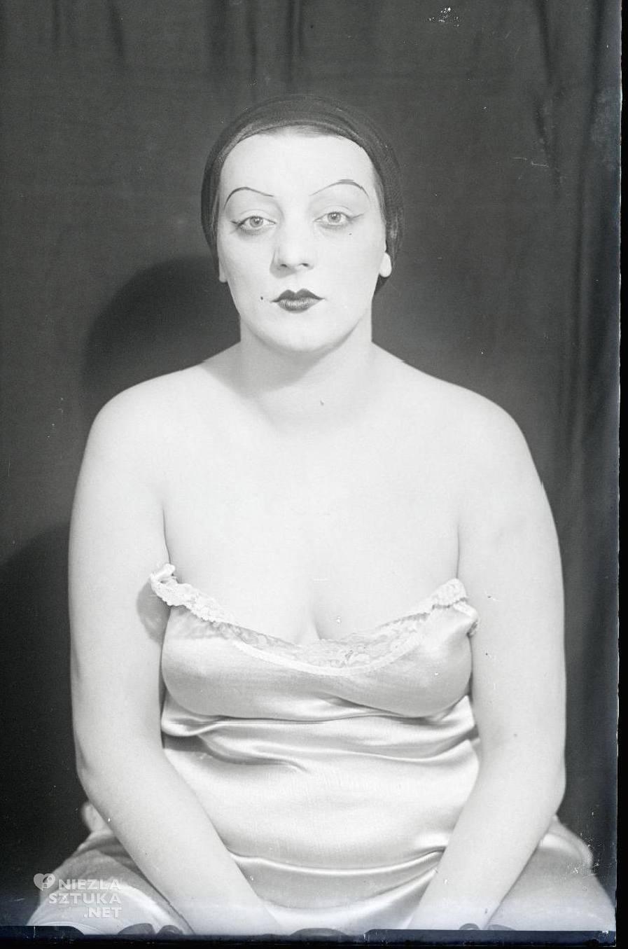 Guy Carrard Alice Prin (Kiki de Montparnasse), 1930, © Man Ray Trust / Adagp, Paris, www.centrepompidou.fr