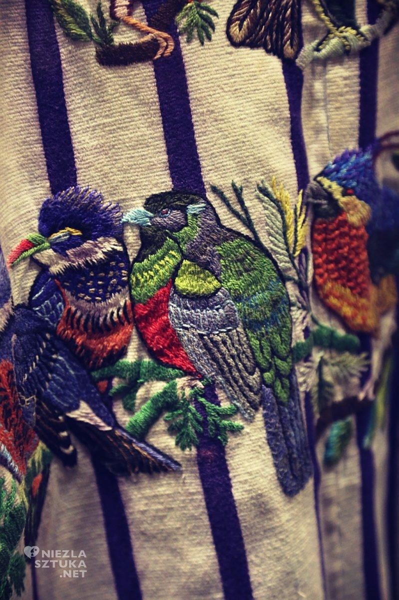Detal z huipiles (bluzy) plemion tkackich Majów