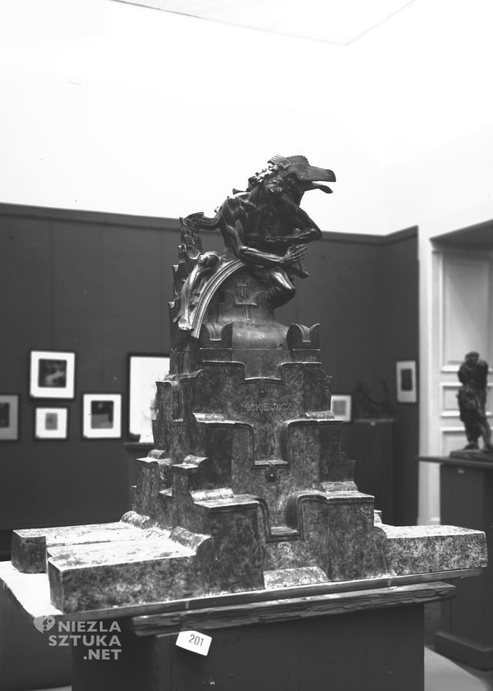 Projekt pomnika Adama Mickiewicza autorstwa artysty malarza i rzeźbiarza Stanisława Szukalskiego, prezentowany na 8 Wystawie Cechu Artystów Plastyków Jednoróg, w gmachu Towarzystwa Sztuk Pięknych, 1929