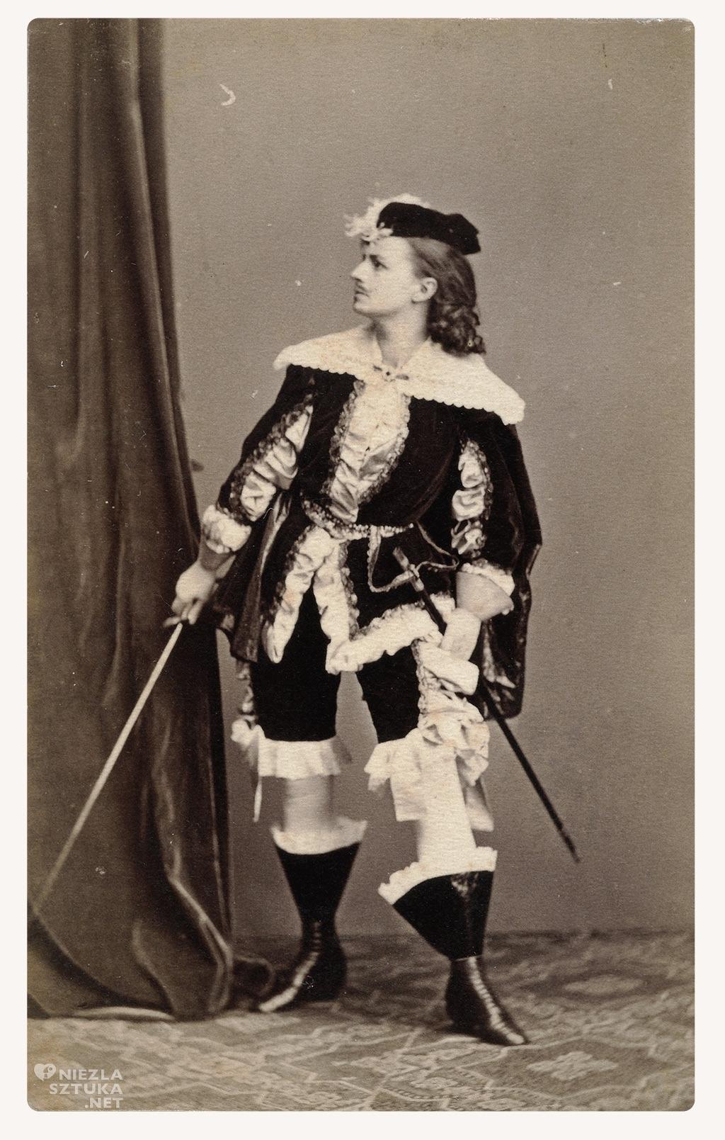 """Helena Modrzejewska jako Adam Kazanowski w spektaklu """"Dwór królewicza Władysława"""" Józefa Szujskiego, ok 1867, fot. polona"""