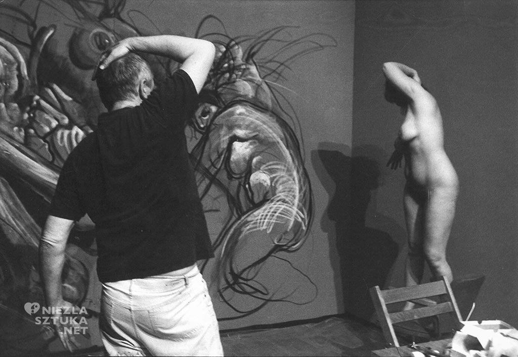 Franciszek Starowieyski w trakcie pracy, dzięki uprzejmości żony artysty