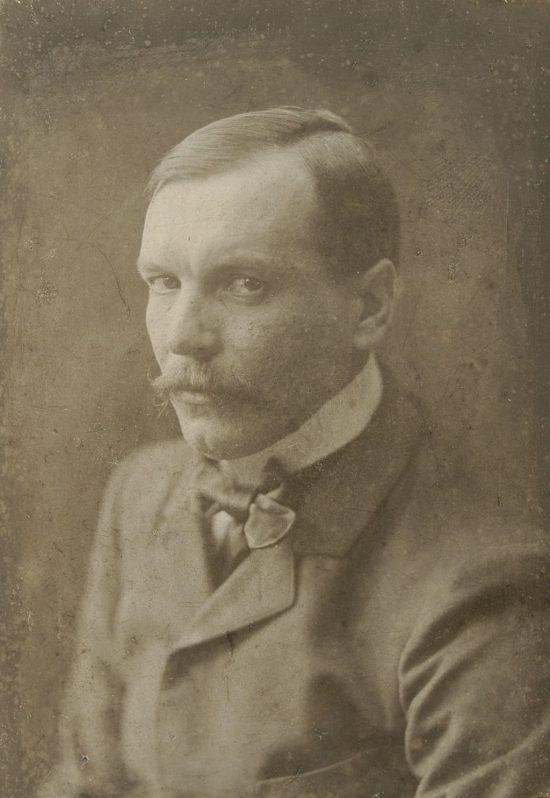 Konrad Krzyżanowski, Niezła sztuka