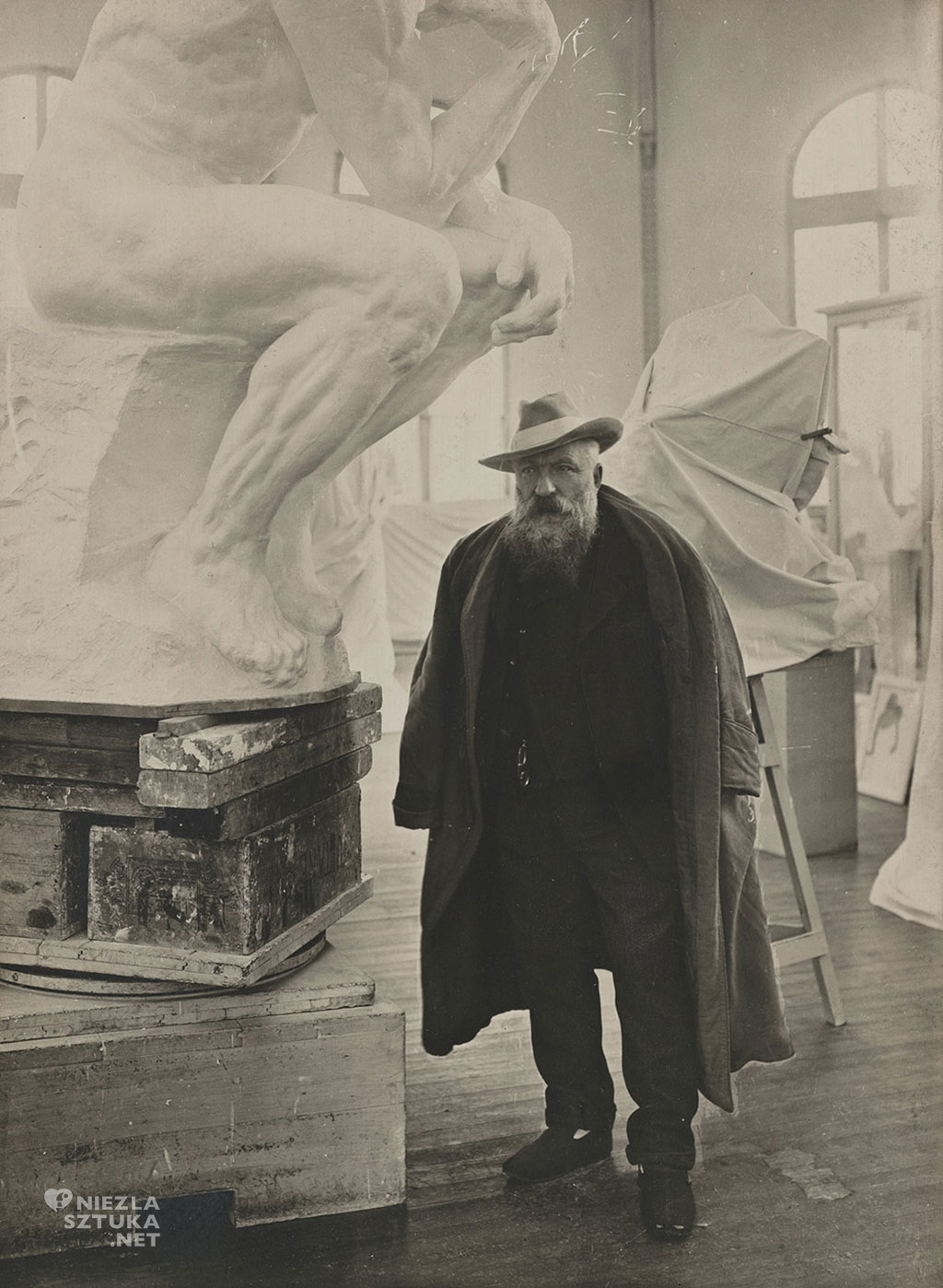 Auguste Rodin w atelier, fot. Albert Harlingue, 1905, Muzeum Rodina