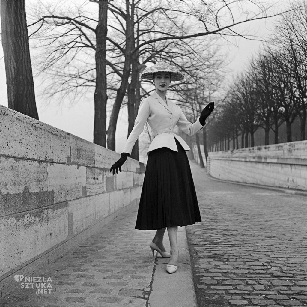 Christian Dior (couture house) Kolekcja wiosna-lato 1947 fot. Willy Maywald, National Gallery of Victoria (Australia)