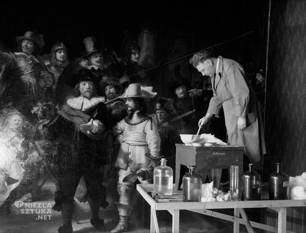 Renowacja obrazu <em>Straż nocna</em> Rembrandta w 1946-47, fot. Rijksmuseum