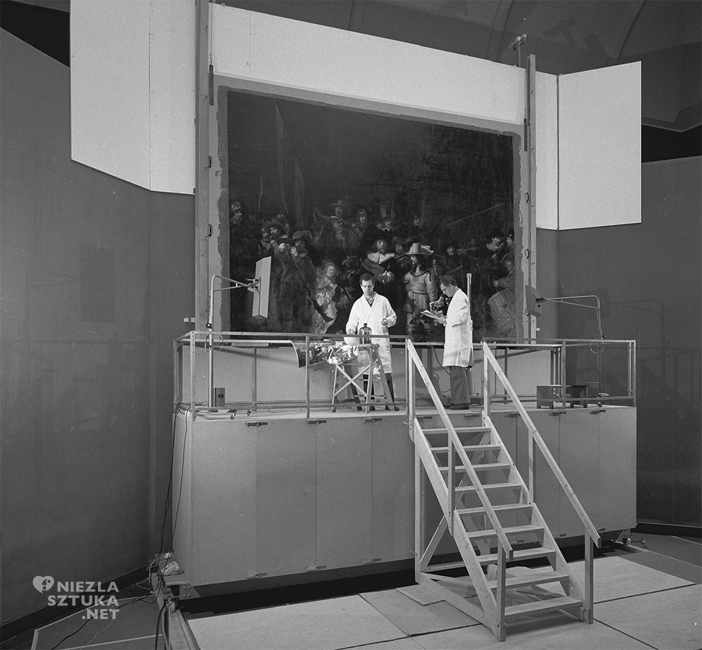 Renowacja obrazu <em>Straż nocna</em> w latach 1975-76, fot. Rijksmuseum