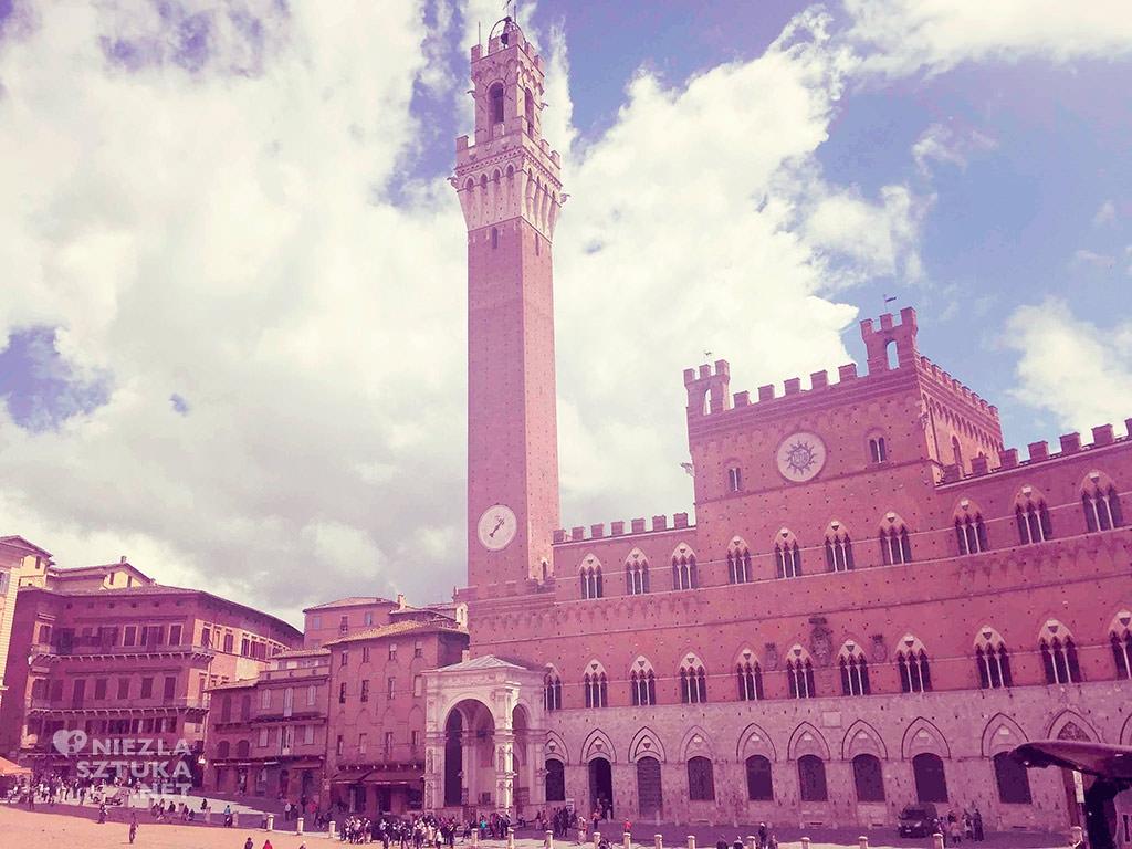 Palazzo Pubblico, Piazza del Campo, Siena, Włochy, sztuka włoska, Niezła sztuka