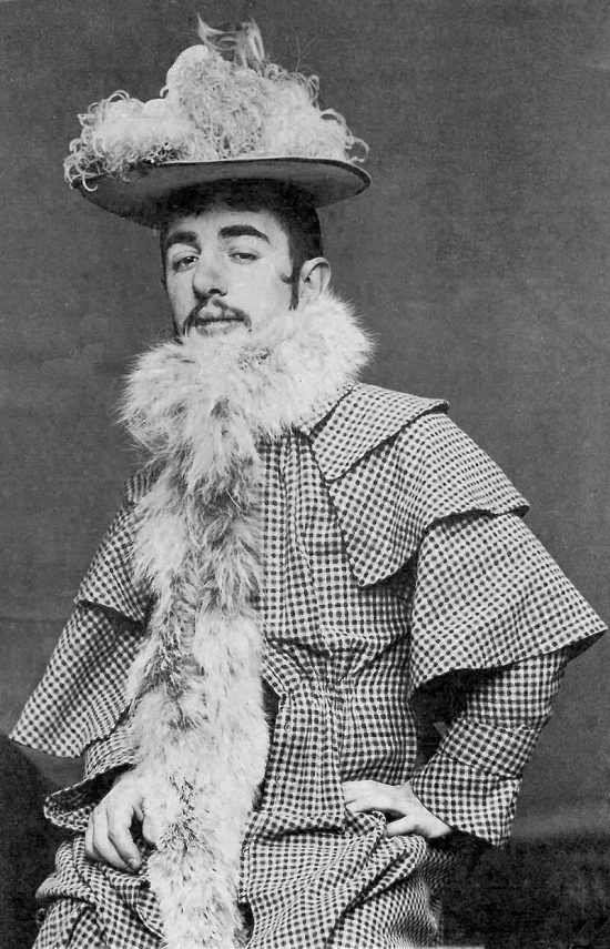 Maurice Guibert, Henri de Toulouse-Lautrec w kapeluszu boa, ok. 1892, © Musée Toulouse-Lautrec, Niezła sztuka