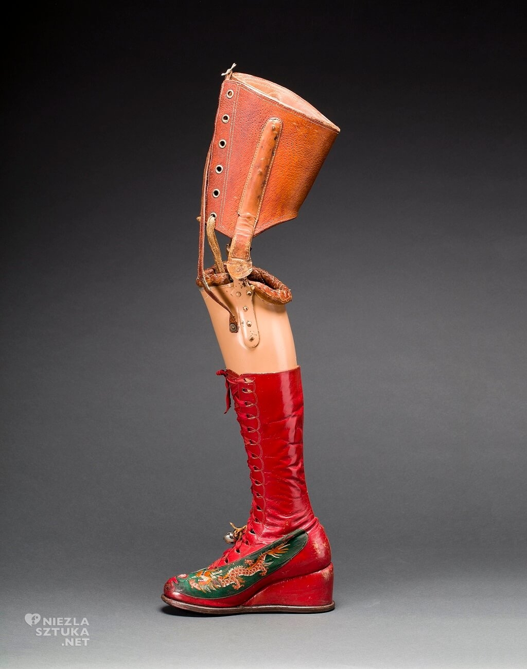Proteza Fridy Kahlo, Javier Hinojosa. Museo Frida Kahlo. Diego Riviera, Frida Kahlo Archives, Niezła sztuka