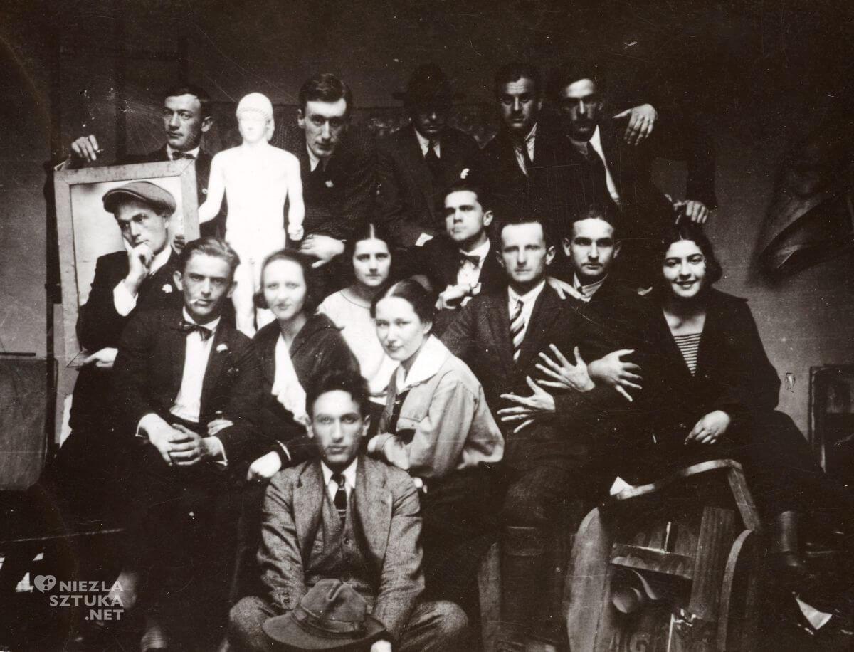 grupa artystyczna, komitet paryski, Niezła sztuka