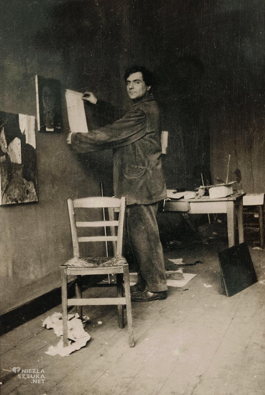 Amedeo Modigliani w swoim studiu, pracownia artysty, Ecole de Paris, bohema, Niezła sztuka