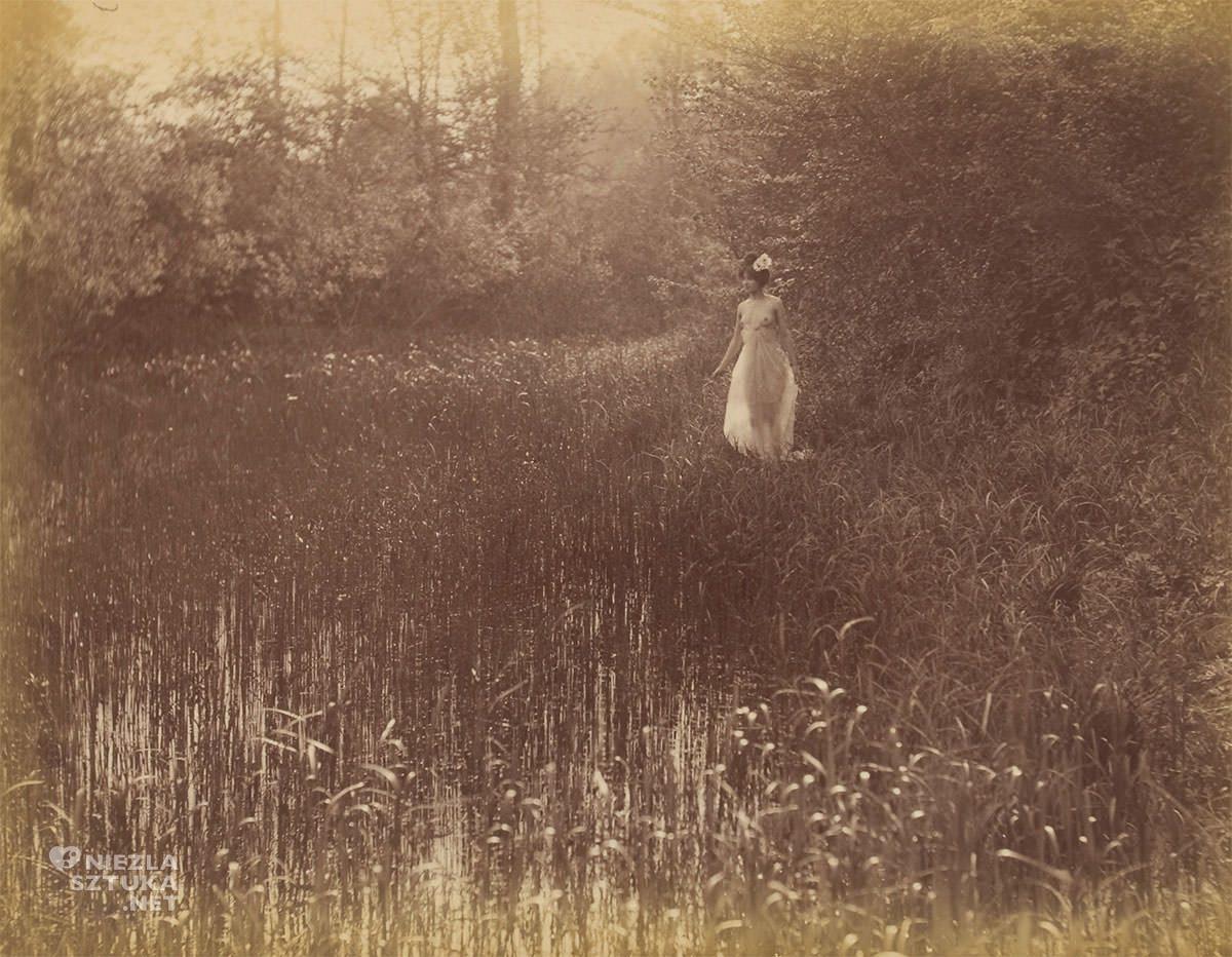 Constant Puyo, Akt kobiecy w naturze, fotografia, Niezła Sztuka
