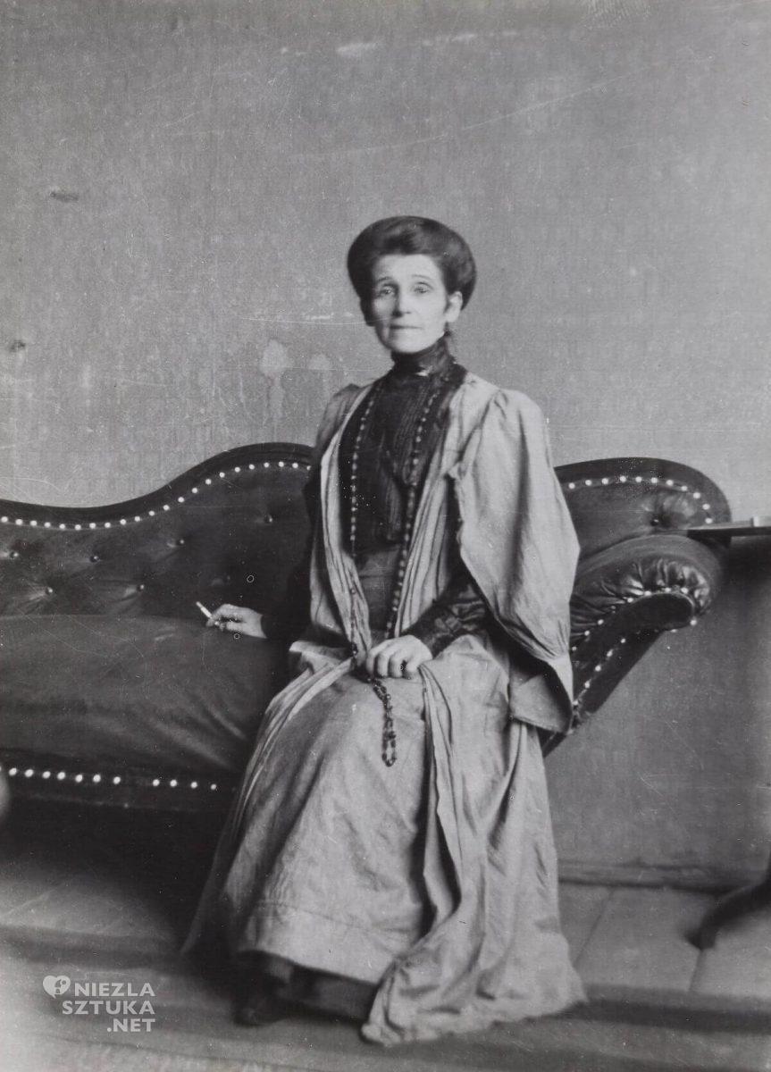 Olga Boznańska w pracowni, fotografia, sztuka polska, malarstwo polskie, Niezła sztuka