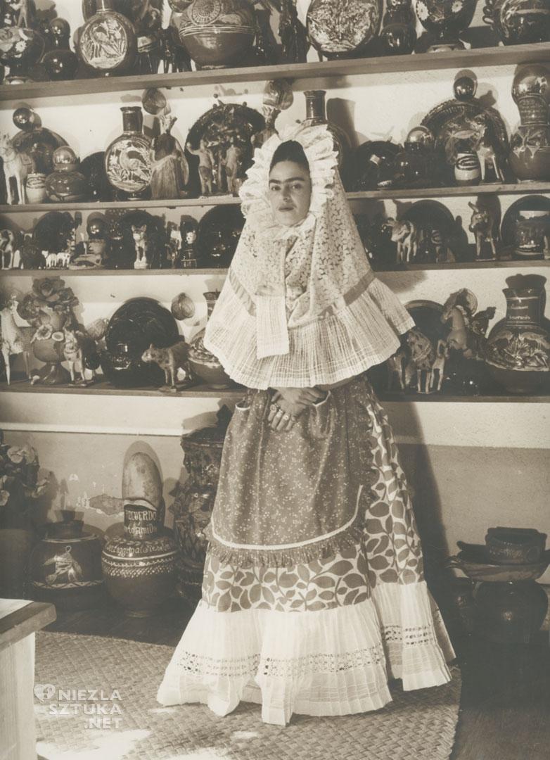 Frida Kahlo, Tehuana, moda, tradycyjne meksykańskie stroje, folklor, moda, Meksyk, Niezła Sztuka