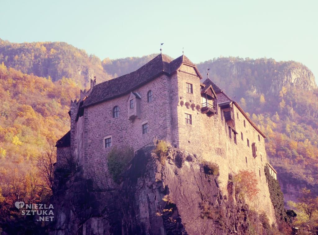 Zamek Roncolo, Włochy, Niezła sztuka