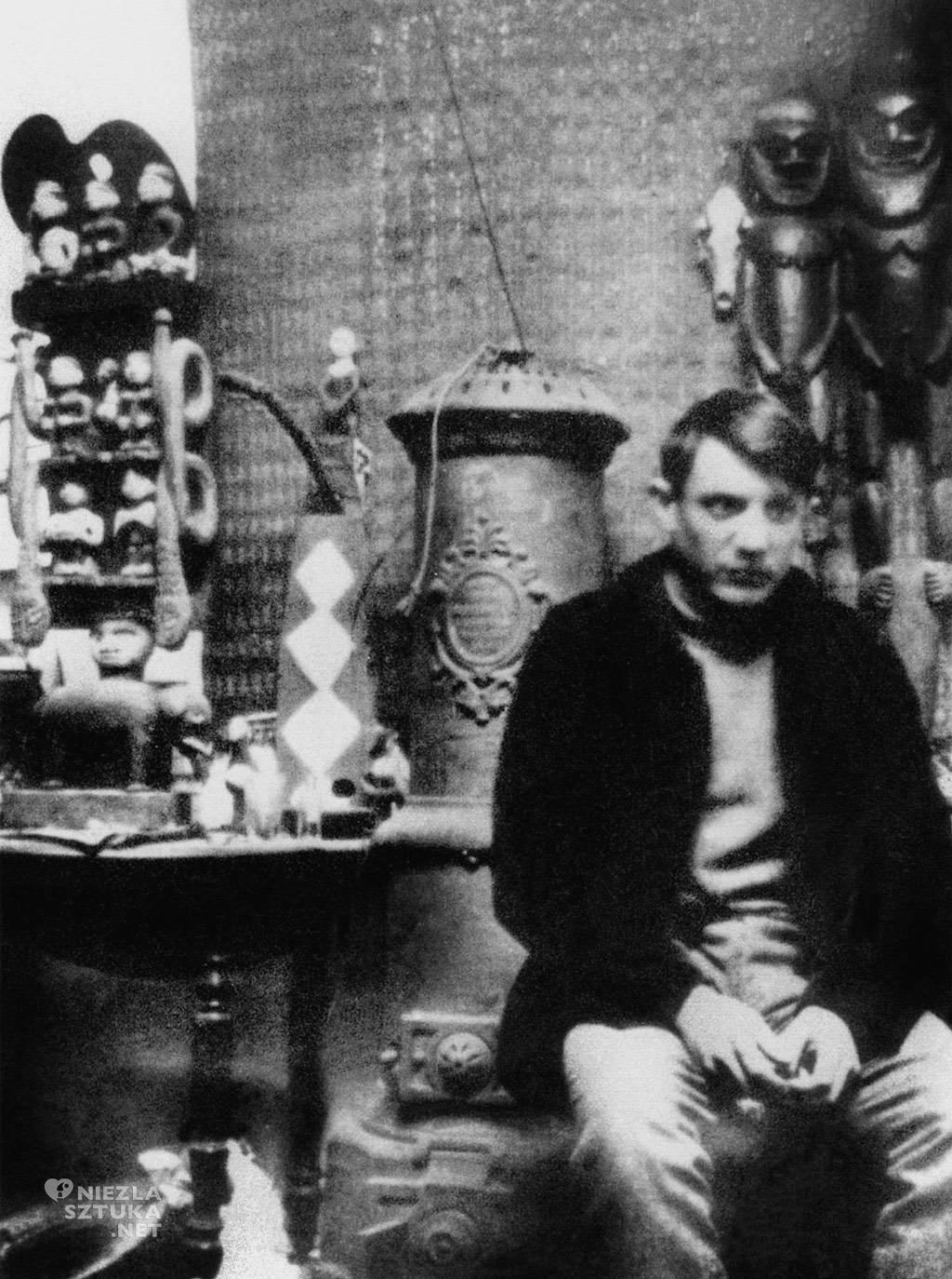 Pablo Picasso w swojej pracowni, kolekcja rzeźb, Niezła sztuka