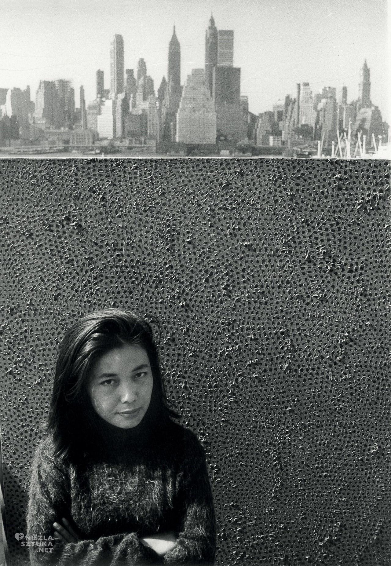 Yayoi Kusama, Nieskończone sieci, zdjęcie, Nowy Jork, sztuka współczesna, kobiety w sztuce, Niezła Sztuka