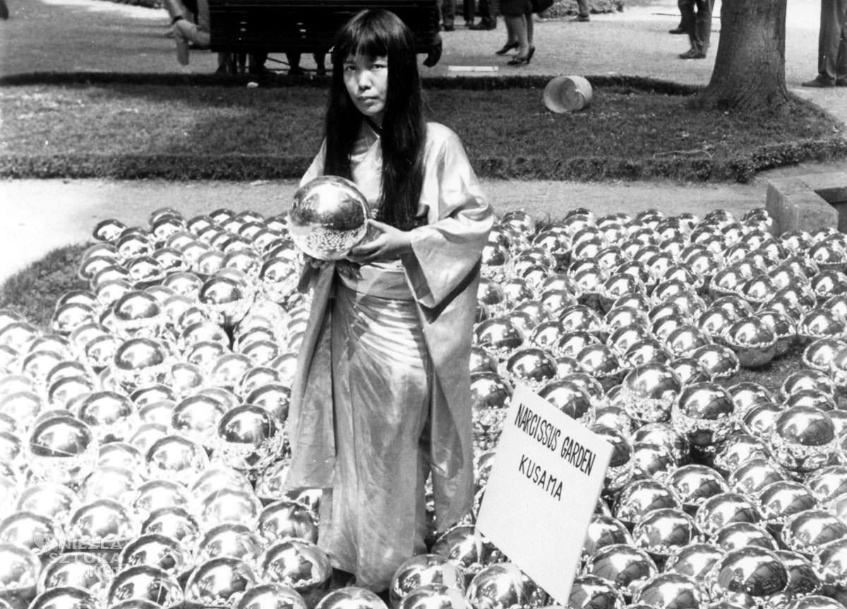 Kusama Yayoi, Ogród narcyza, kobiety w sztuce, sztuka współczesna, Niezła Sztuka