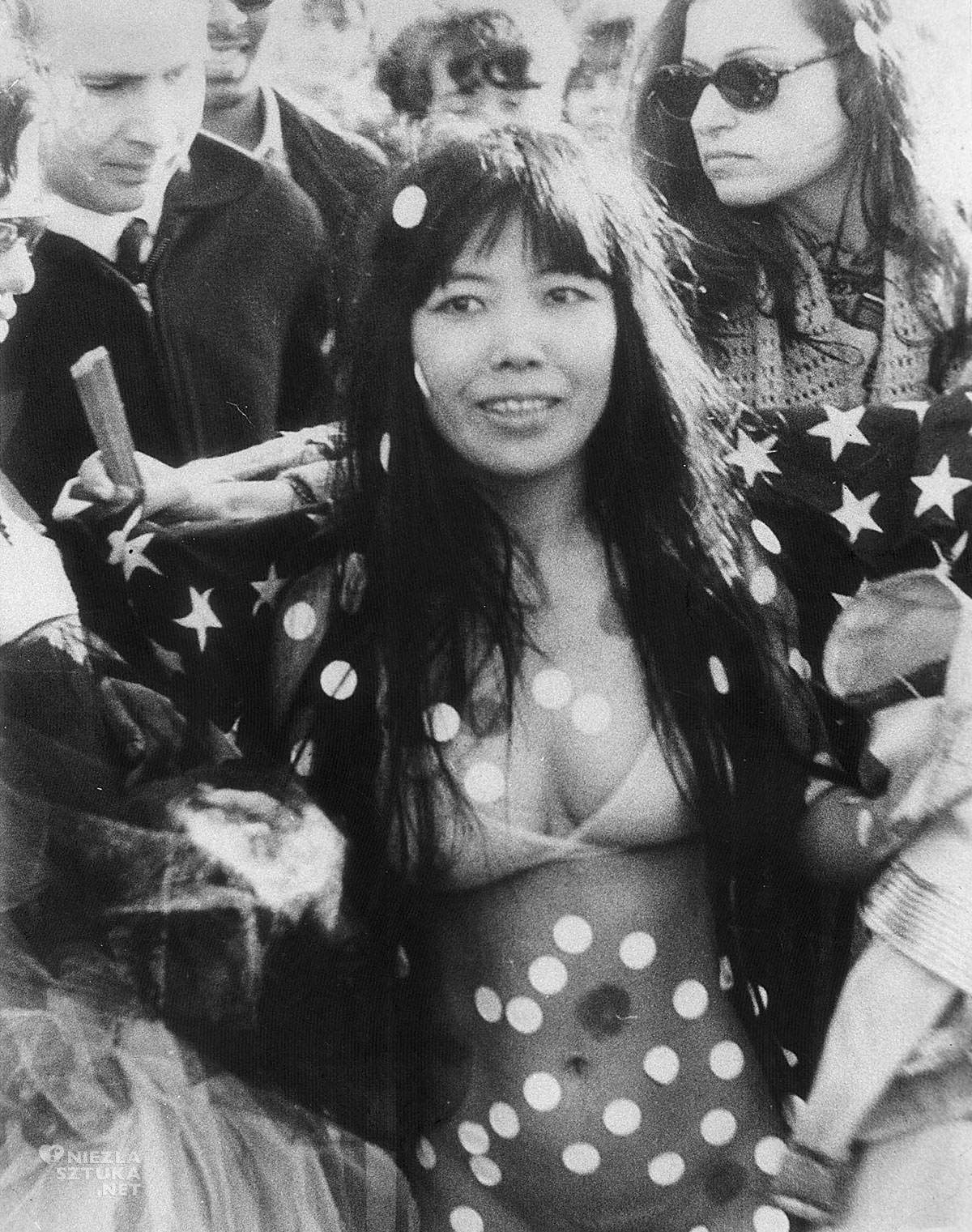 Yayoi Kusama, sztuka współczesna, kobiety w sztuce, Niezła Sztuka