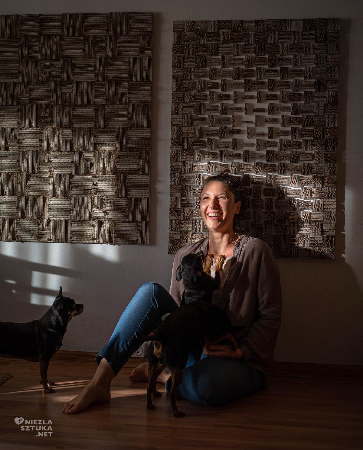 Agnieszka Andruszkiewicz, wywiad z artystą, artystka polska, papier, formy z papieru, sztuka polska, Niezła sztuka