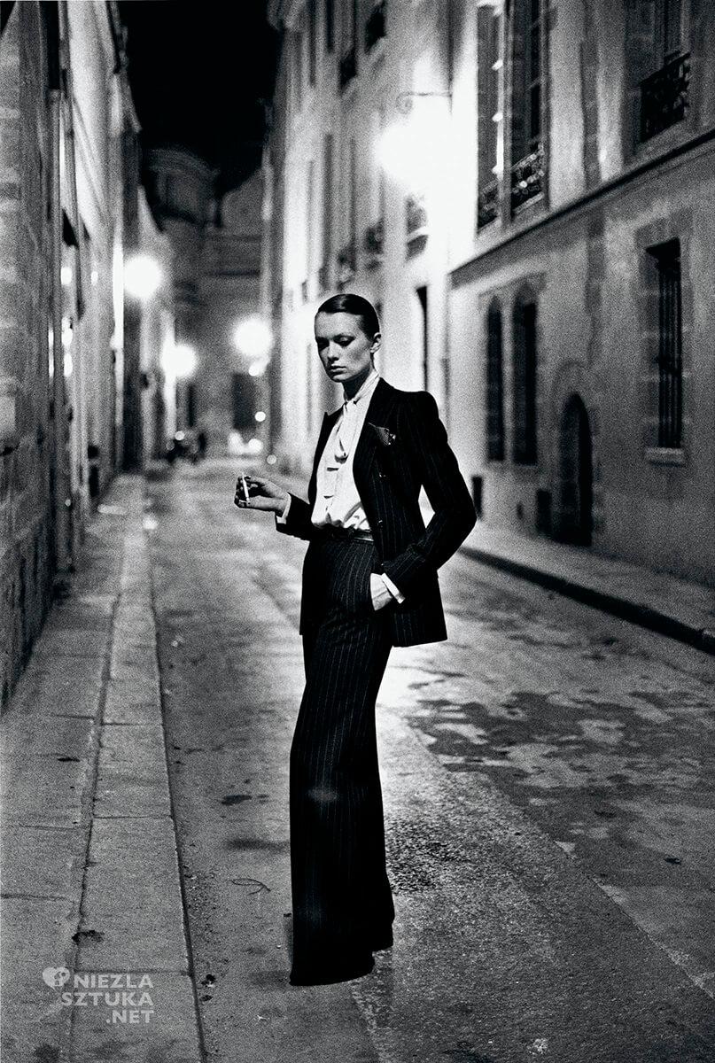 Helmut Newton, Rue Aubriot, Paryż, Vogue, Francja, fotografia, fotografia modowa, Niezła Sztuk