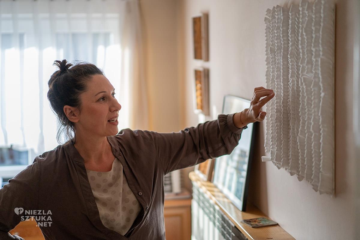 Agnieszka Andruszkiewicz, artystka polska, papier, formy z papieru, sztuka polska, Niezła sztuka