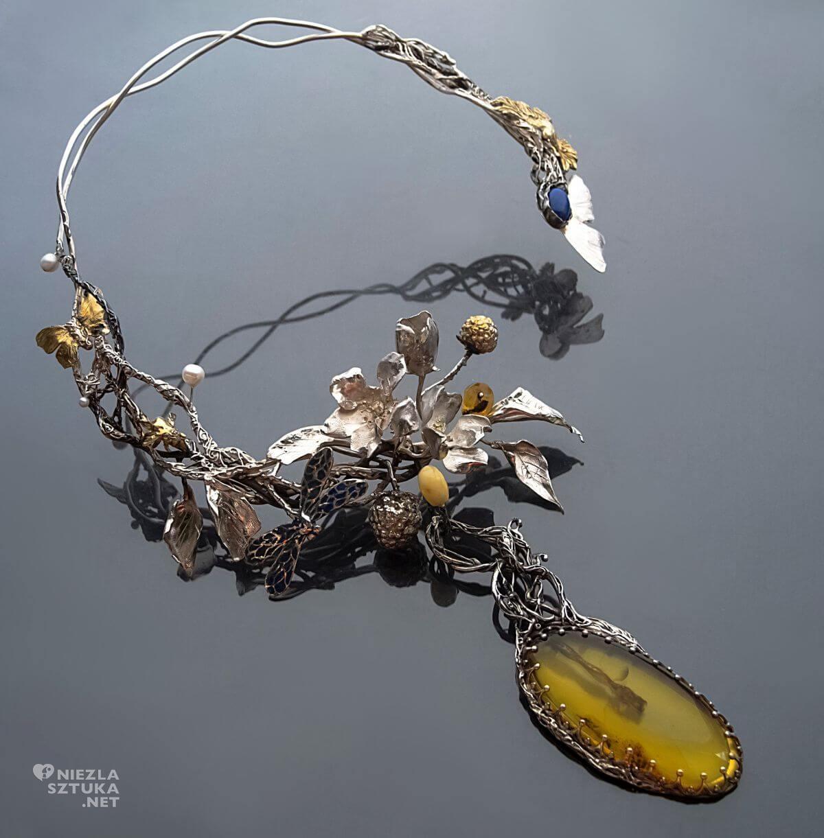 Rękami Stworzone – Art Jewellery by Iwona Tamborska, biżuteria artystyczna, aukcja na rzecz fundacji, kalendarz 2021, Niezła sztuka