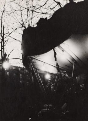 Dora Maar, Karuzela nocą, fotografia, kobiety w sztuce, Niezła Sztuka
