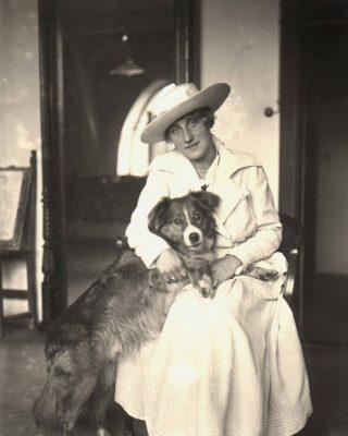 Edith Schiele, fotografia, żona artysty, Egon Schiele, pies, Niezła Sztuka
