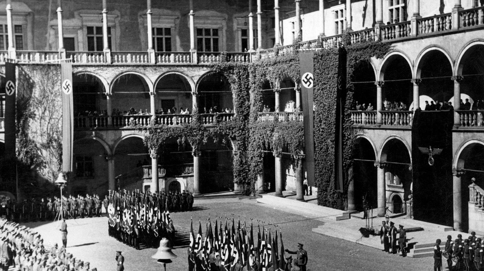 Wawel, II Wojna światowa, Generalna Gubernia, Hans Frank, Niezła Sztuka