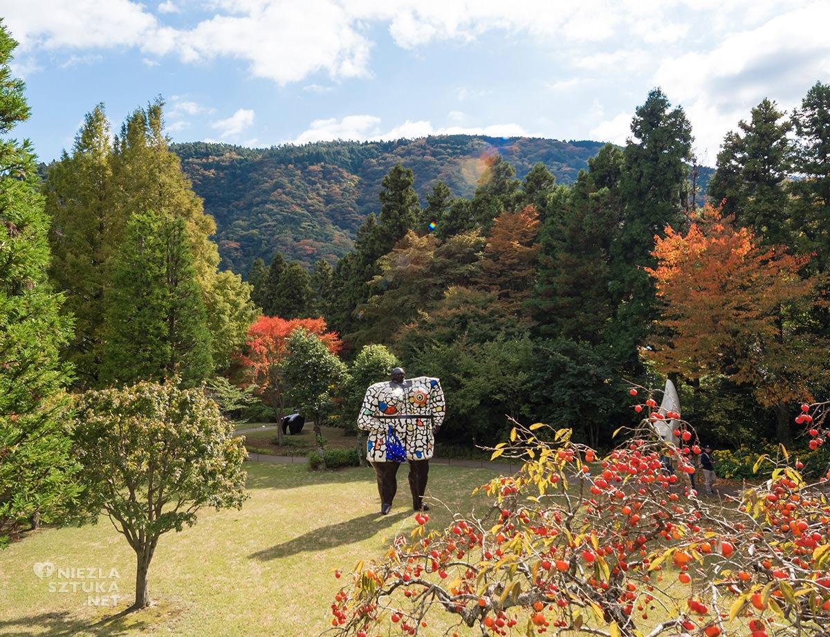 Hakone park, Hakone muzeum, muzeum na świeżym powietrzu, rzeźba, rzeźba w przestrzeni, sztuka współczesna, Japonia, Hakone, Niki de Saint Phalle, niezła sztuka