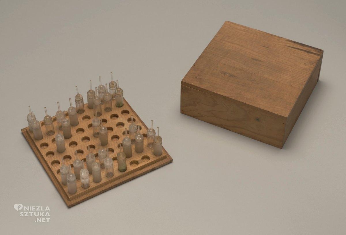 Takako Saito, Poczuj szachy, zapach, sztuka współczesna, Niezła Sztuka